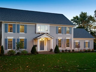 Shaker Heights: colonial Houses by New Leaf Home Design