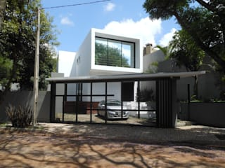 Modern home by Cláudia Legonde Modern