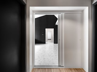 STARSIS Modern Corridor, Hallway and Staircase Marble White