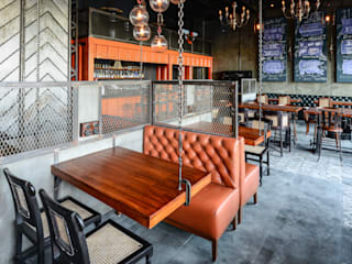 TUF - The Urban Foundry:  Bars & clubs by Studio K-7 Designs Pvt. Ltd