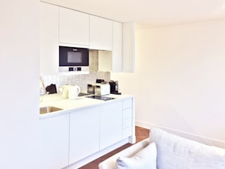 Refurbishment of a 250sqft apartment next to Hyde Park, London, W2 Minimalist kitchen by GK Architects Ltd Minimalist