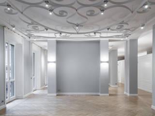 Salon de style  par andrea borri architetti, Classique