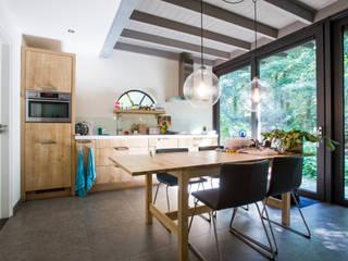 Woonkamer - eetkamer:   door Joost Reijnen architect