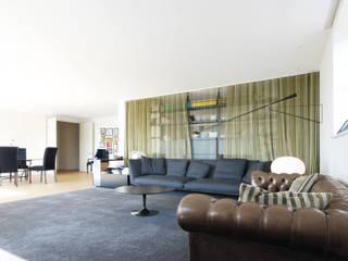 Salon de style  par andrea borri architetti, Moderne