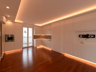 Modern Living Room by yesHome Modern