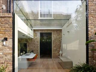Islington Square Rear Extension Trombe Ltd Cocinas modernas: Ideas, imágenes y decoración Vidrio