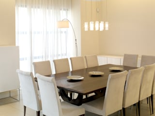 Renovations and new builds Deborah Garth Interior Design International (Pty)Ltd Minimalist dining room