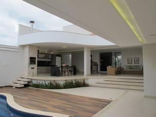 Сад в классическом стиле от Cia de Arquitetura Классический