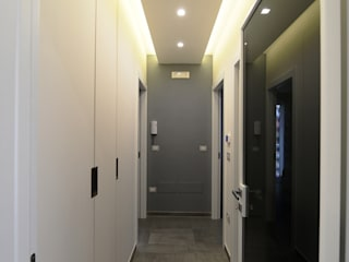 Modern Corridor, Hallway and Staircase by yesHome Modern