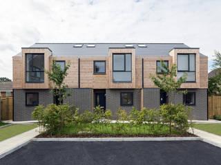 Faith Gardens Modern garage/shed by Footprint Architects Ltd Modern