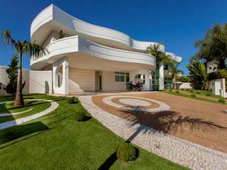 Case in stile in stile Moderno di Arquiteto Aquiles Nícolas Kílaris