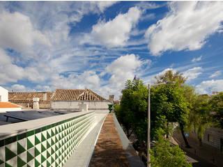 Projecto com Arq. Juan Trindade: Casas  por Sant'Anna,Moderno