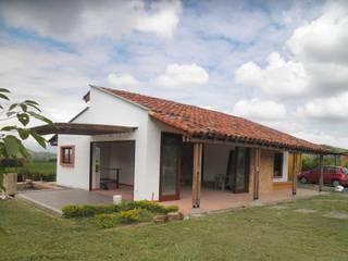 Maisons de style  par Todos los Santos, Rustique