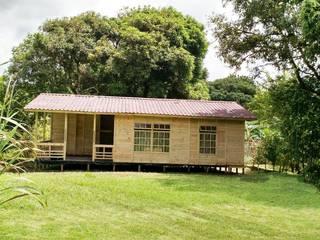 Casas de Madera : Casas de estilo  por WoodMade,