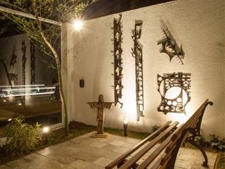 Vườn phong cách hiện đại bởi GOMA Arquitetura Hiện đại