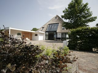 Country style houses by Van der Schoot Architecten bv BNA Country