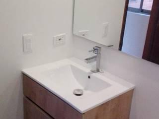 Bathroom by estudio unouno