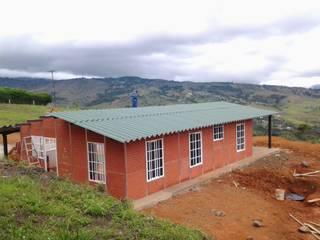 Casa Pre Fabricada Casas de estilo clásico de casas prefabricadas siglo 21 s.a.s. Clásico