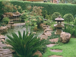 Asian style garden by Eduardo Luppi Paisagismo Ltda. Asian
