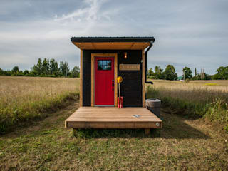 Greenmoxie Tiny House Minimalist house by Greenmoxie Magazine Minimalist
