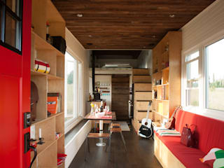 Greenmoxie Tiny House: minimalist  by Greenmoxie Magazine,Minimalist