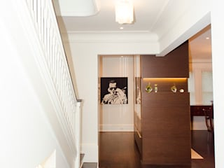 Classic corridor, hallway & stairs by Jane Thompson Architect Classic