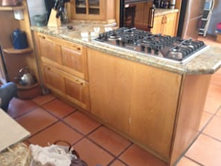 Before: Hob reverse.:   by Boss Custom Kitchens (PTY)LTD
