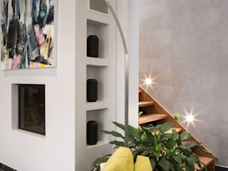Modern corridor, hallway & stairs by COLOMBE MARCIANO Modern