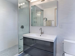 Bathroom: modern Bathroom by Greg Colston Architect