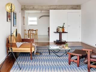 Phòng khách by INÁ Arquitetura