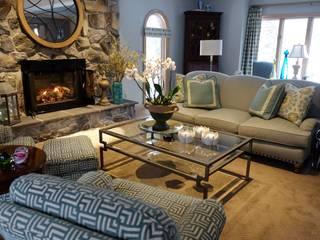 Brecksville Family Room:  Living room by Kay rasoletti Interior Design