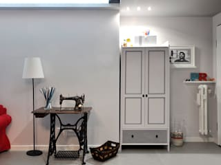 RISTRUTTURAZIONE PR arCMdesign - Architetto Michela Colaone Ingresso, Corridoio & Scale in stile moderno