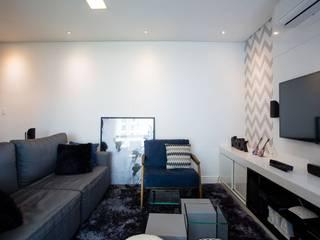 Salones de estilo moderno de Apê 102 Arquitetura Moderno