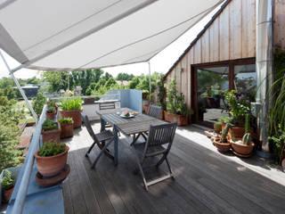 Modern Terrace by raum.4 - Die Meisterdesigner Modern