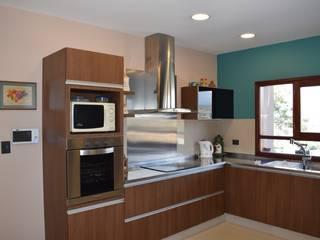 Kitchen by Carlos Iriarte arquitectura,