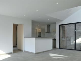 Maison Privée:  de style  par Léandre Porte Architecture
