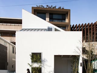 Kenji Yanagawa Architect and Associates Modern houses Wood White