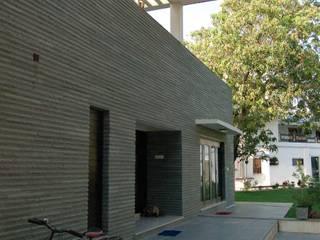 Residence Modern houses by AM Associates Modern