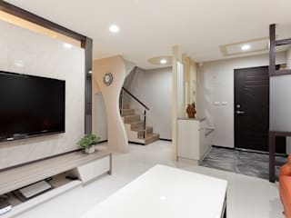 Corridor & hallway by Green Leaf Interior青葉室內設計