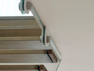 Modern corridor, hallway & stairs by EeStairs | Stairs and balustrades Modern