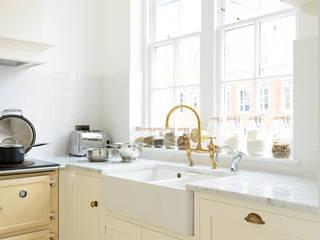 The Shaker Clerkenwell Kitchen by deVOL deVOL Kitchens Minimalist kitchen White