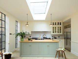 The Islington N1 Kitchen by deVOL Classic style kitchen by deVOL Kitchens Classic