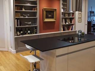 Appartement Classique Contemporain Paris Neuilly Cuisine classique par Philippe Ponceblanc Architecte d'intérieur Classique