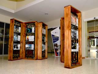 MODULO EXPOSITIVO PUCV:  de estilo  por Gen Arquitectura & Diseño