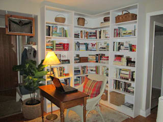 by Space Age Custom Closets & Cabinetry,