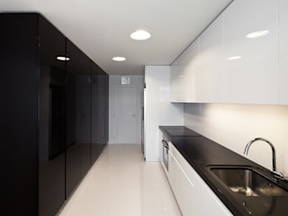 Cozinha (depois) | Kitchen (after) Cozinhas minimalistas por FMO ARCHITECTURE Minimalista