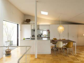 トクモト建築設計室 Cocinas de estilo moderno
