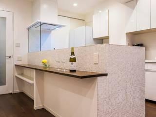 Kitchen by QUALIA, Modern