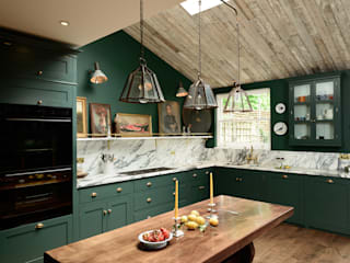 The Peckham Rye Kitchen by deVOL by deVOL Kitchens Класичний Дерево Дерев'яні