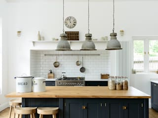 The Arts and Crafts Kent Kitchen by deVOL deVOL Kitchens Industrial style kitchen Blue